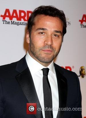 Piven's On-set Dilemma With Stripper