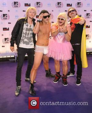 The Dudeson's MTV Europe Music Awards 2010 at the La Caja Magica - Arrivals  Madrid, Spain - 07.11.10