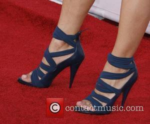 Julia Jones 2010 MTV Movie Awards - Arrivals held at the Gibson Amphitheater at Universal Studios Universal City, California -...