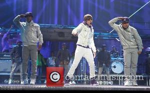 Singer Justin Bieber, Justin Bieber and Xbox 360