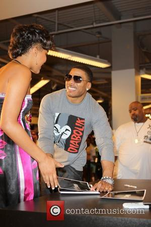 Nelly makes an in-store appearance to promote his 'Apple Bottoms' clothing line at Macy's, Las Vegas, NV Las Vegas, USA...