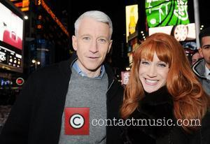 Anderson Cooper Punched And Kicked In Cairo Assault