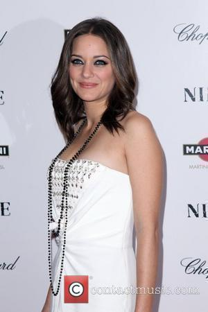 Marion Cotillard  New York premiere of 'Nine' sponsored by Chopard at the Ziegfeld Theatre New York City, USA -...