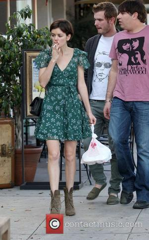 Nora Zehetner smoking a cigarette after having lunch with friends. Los Angeles, California - 17.01.11