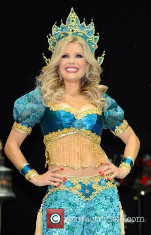 Melinda Messenger Attends the First Family Entertainment Pantomime photocall at the Piccadilly Theatre  London, England - 26.11.10