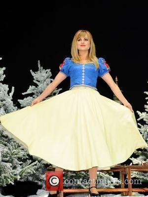Tina O'Brien Attends the First Family Entertainment Pantomime photocall at the Piccadilly Theatre  London, England - 26.11.10
