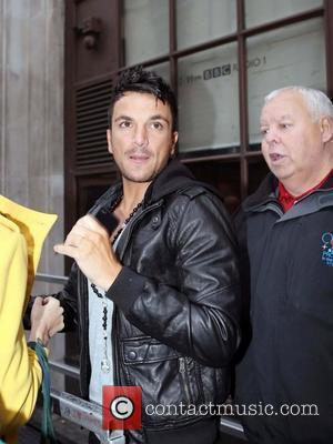 Peter Andre and Leaves