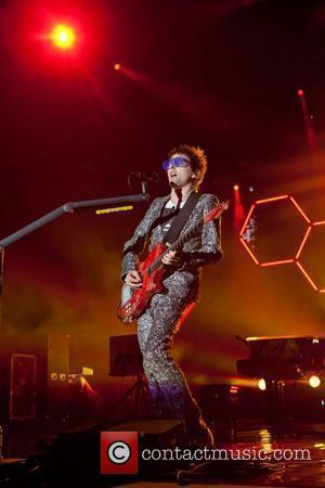 Muse Block Tv Signal With Massive Stage Prop