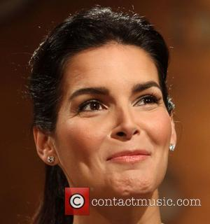 Angie Harmon Announces Screen Actors Guild Nominees