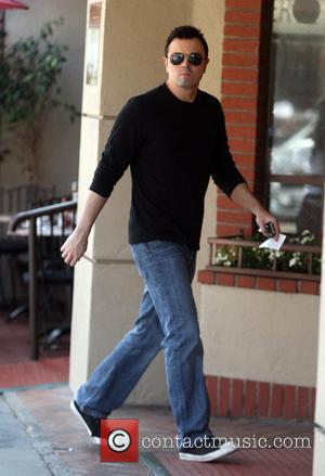 Seth MacFarlane arrives at a medical building Los Angeles, California - 17.09.10