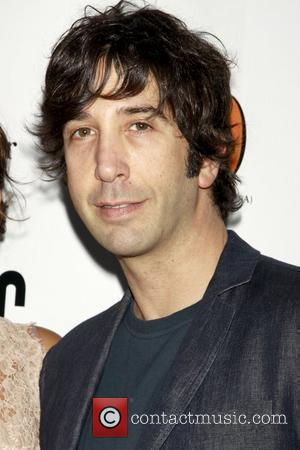 David Schwimmer Secretly Marries British Photographer