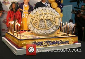 Los Angeles Laker world champion, Shannon Brown 25th birthday cake Los Angeles, California - 05.12.10