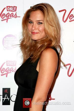 Refaeli Thankful For Brief Split From Dicaprio
