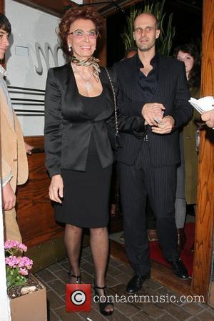 Sophia Loren leaving Madeo restaurant in West Hollywood Los Angeles, California - 22.01.10