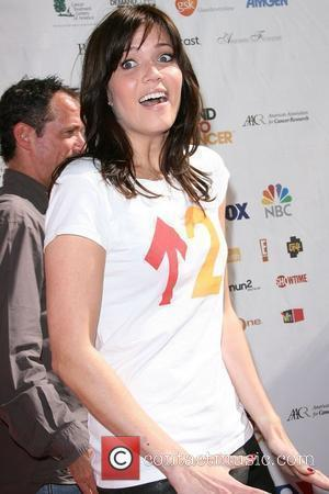 Mandy Moore Fights Malaria In Africa