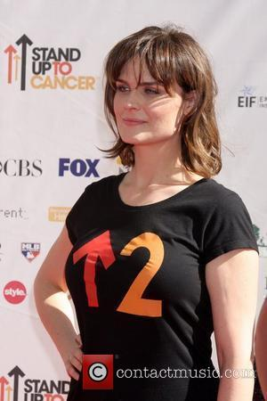Emily Deschanel  Stand Up To Cancer held at Sony Pictures Studios - Arrivals Los Angeles, California - 10.09.10