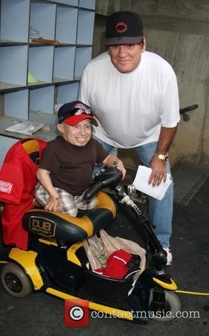 Verne Troyer and Pete Rose