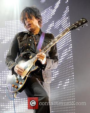 Dean Deleo and Stone Temple Pilots