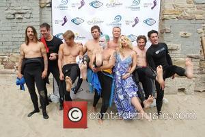 Christina Applegate, Austin Nichols, Brian Geraghty, Eric Balfour, Flea and Sam Trammell