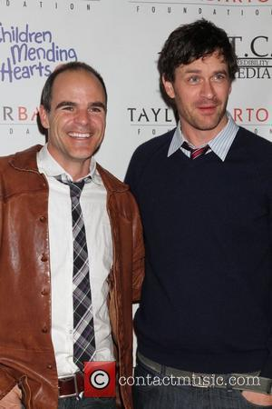 Sam Hennings, Las Vegas and Tom Everett Scott