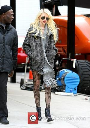 Taylor Momsen filming on the set of 'Gossip Girl' in Chelsea. New York City, USA - 14.12.09