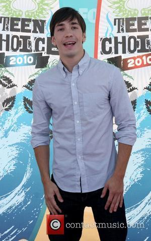 Justin Long The 12th Annual Teen Choice Awards 2010 held at the Universal Gibson Ampitheatre - Arrivals Los Angeles, California...