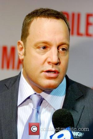 Kevin James World premiere of 'The Dilemma' held at the AMC River East Theater - Arrivals Chicago, USA - 06.01.11