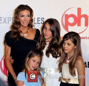 Jennifer Flavin with her daughters Scarlet