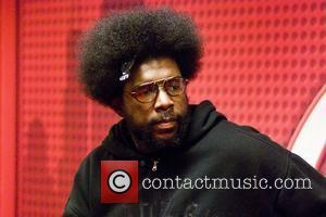 The Roots drummer, Questlove (?uestlove), stops by WGCI Coca Cola Lounge for an interview with on-air personality and comedian Leon...