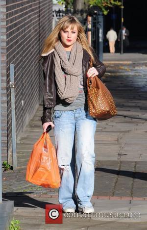 Tina O'Brien pops to Sainsbury's to do some shopping Manchester, England - 16.11.10