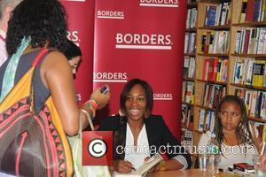Venus Williams signs copies of her new book 'Come To Win' at Borders Philadelphia, Pennsylvania - 08.07.10
