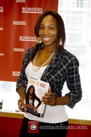 Venus Williams signs copies of her new book 'Come To Win' at Borders Chicago, Illinois - 09.07.10