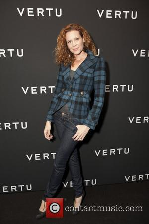 Robyn Lively Vertu's smartphone at Berry Hill Galleries New York City, USA - 20.10.10