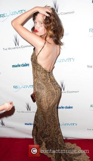Paz de la Huerta Weinstein Company's Golden Globe Awards After Party - Arrivals Los Angeles, California - 16.01.11