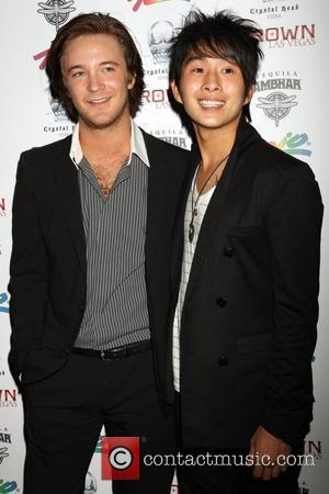 Michael Welch and Justin Chon