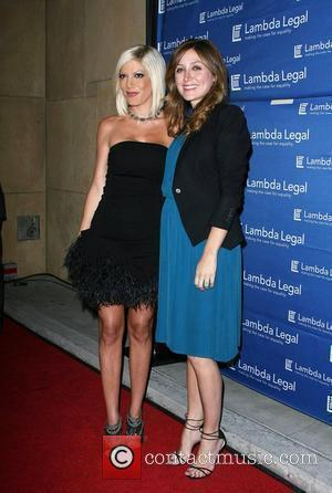 Tori Spelling and Sasha Alexander
