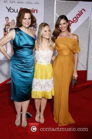 Sigourney Weaver, Kristen Bell, Odette Yustman