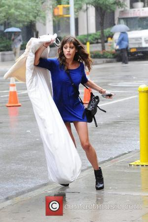 Lizzy Caplan on the set of her new movie Bachelorette  filming in Manhattan New York City, USA - 20.09.11