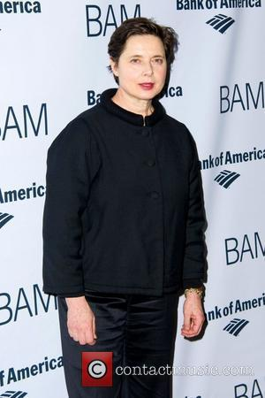 Isabella Rossellini Wants More Fashion Advice For Older Women