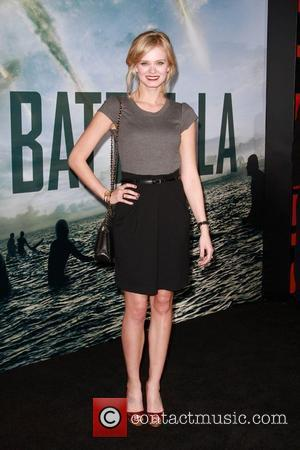 Sara Paxton  Battle: Los Angeles Los Angeles Premiere  Held At Regency Village Theatre  Westwood, California - 08.03.11