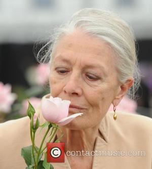 Redgrave Unveils Richardson Rose At Chelsea Flower Show