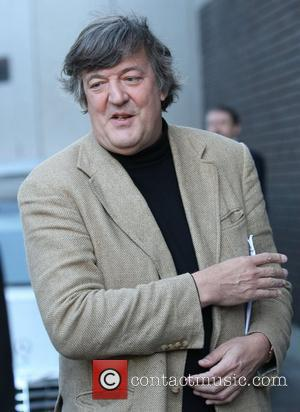 Stephen Fry Backs Benefit For Twitter Joker
