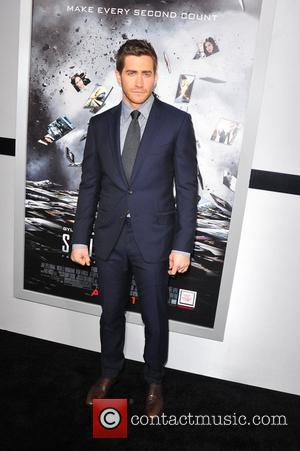 Jake Gyllenhaal Los Angeles Premiere of 'Source Code' held at the Arclight Cinerama Dome - Arrivals Los Angeles, California -...