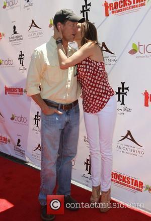 James Denton, Teri Hatcher Teri Hatcher Hosts Yard Sale Benefiting St. Jude Children's Research Hospital and Rockstar Education Held At...