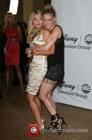 Amanda Detmer and Teri Polo