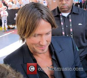 Keith Urban Upset With 'Prison' Security At Concerts