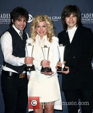 The Band Perry Surprise Winners At Acm Awards