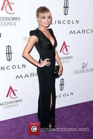 Nicole Richie Wins Top Award At Fashion Event