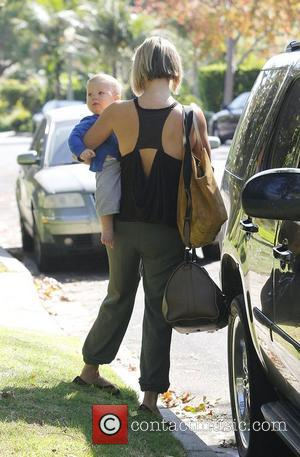 Ali Larter and Hayes MacArthur