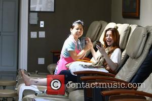 Alyson Hannigan visits iSpa Lane for a manuicure and pedicure Los Angeles, California - 14.04.11
